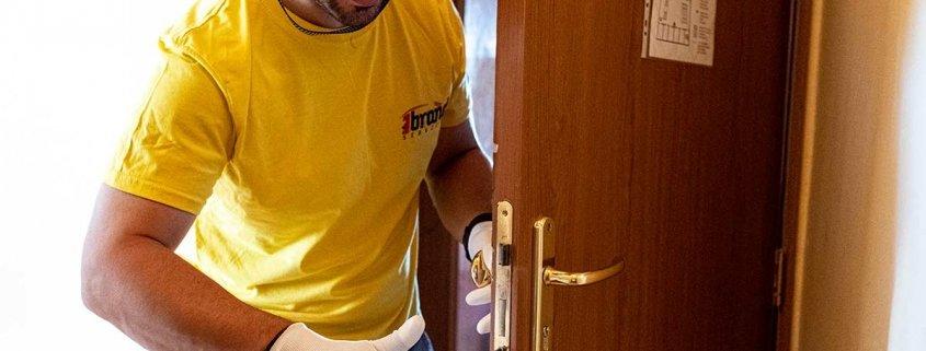 Door repairs in London